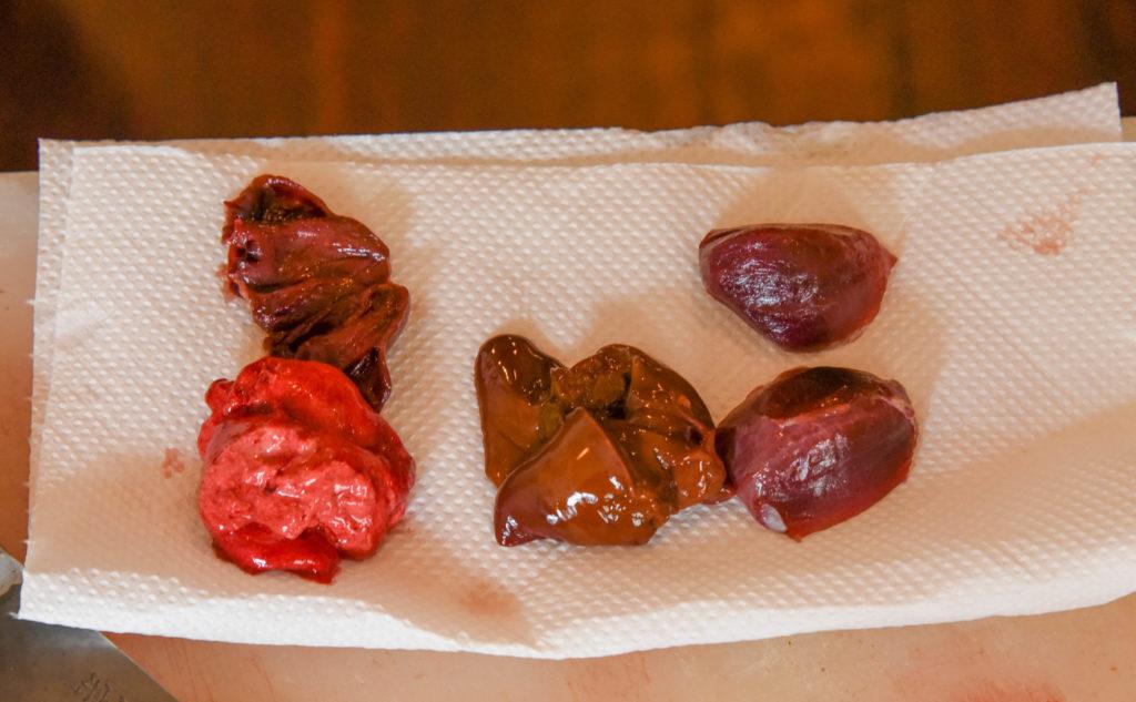 鴨の内臓料理